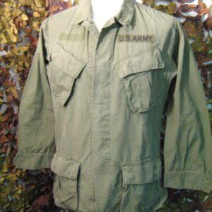 Camicia/Giacca Combat Tropical RipStop Coat Man's Combat Tropical etichetta interna datata '69 Tessuto: 100%Cotone Rip.Stop Verde Light Manica lunga