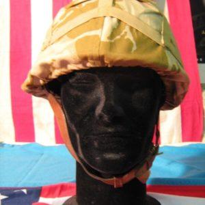 Copertuta Elmetto Desert Cover Combat Helmet GS MK6 Coprielmetto: Desert DP (Inglese) Desert Cover Combat Helmet GS MK6 Cordino per chiusura.