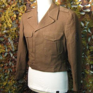Giubbino Ike Vintage U.S.A. Lana Pettinata 100% Marrone Chiaro interno fodera verde Giubbino manica lunga Collo a giacca aperto.