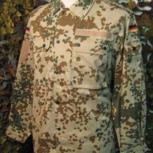 Camicia Camouflage Tedesca Spalline con Velcro Originale Militare Desert German 80% Cotone 20% Poliestere Chiusura con bottoni automatici.