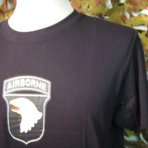 """T-SHIRT 101ST AIRBORNE BLACK 100% Cotone Jersey Manica corta girocollo con stampa """"Airborne"""" grande sul frontale"""
